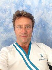 Dr Fernando García Jurado - Surgeon at Clinicas Dr. Pelo - Tenerife