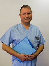 Dr Andrew  Lendvai - Principal Surgeon at PHAEYDE