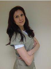 Timea Palhazy - Principal Surgeon at Prohaar Klinik Haartransplantation - Ungarn