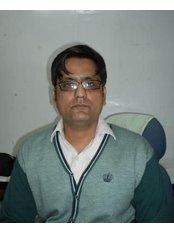 Dr Sameer  Mishra - Dermatologist at Berkowits Hair & Skin Clinic(Faridabad)