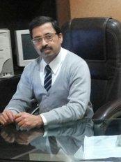 Dr Surendra Chawla - Principal Surgeon at South Delhi Cosmetic Clinic - Gurgaon