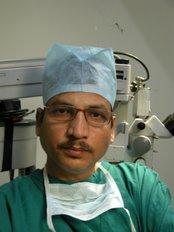 Rejuvenate Hair Transplant Centre - 2/1, Near Nagar Nigam Shops, Bhandari Marg, Janjeerwala Chouraha, New Palasia, Indore, Madhya Pradesh, 452003,