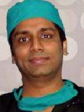 Dr Shaiil Gupta is a renowned Hair Transplant Surgeon in Delhi. - Dermatologist at Satya Skin, Laser and Hair Transplantion Clinic - New Delhi