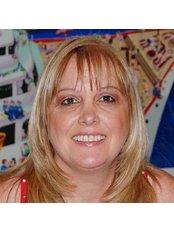Ms Clara Feldbaum - Manager at Dr. Alex Ginzburg's Clinic