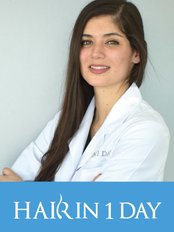 Dr Mariana Serratos - Doctor at Hair in 1 Day - Mexico City