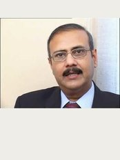 Advance Hair Transplant and Cosmetic Surgery - Plot # 12-C Suite No. 1 2nd Floor, 6th Zamzama Lane, Karachi,