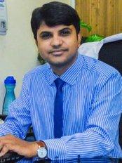 Dr Sanjay Kumar - Doctor at AlKhaleej Hair Transplant