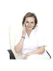 Dr Dorota Kowalczyk -  at i-Hairmed