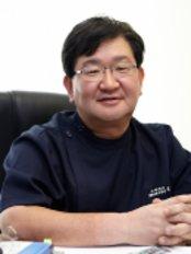 Agpujeong Yonsei Hair Transplant Clinic - Sinsa-dong 611 Kangnam-Ku, Jungsan Building 878 Nonhyeon-ro, Seoul,  0