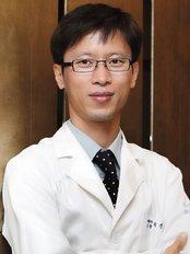 Dr. Shin-Je Lee (Dr. Momo) Hair Transplant International - Dr. momo, Shin-Je Lee, MD, PhD