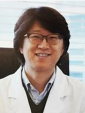Lee Moon Won - Korean Medicine Clinic - Dr Lee Moon Won - the direction and the founder