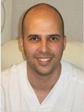 Dr David Muñoz - Surgeon at Corporacion Capilar - Madrid