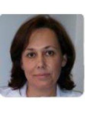Dr Lola Moreno - Surgeon at Corporacion Capilar - Madrid