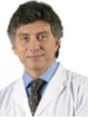 Dr Arturo González Marlia - Doctor at Medical Hair España