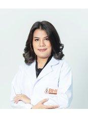 Доктор Kulakarn Amonpattana - Врач хирург в Maple Clinic