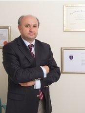 Prof. Muhitdin Eski - Chirurg - Civas Klinik
