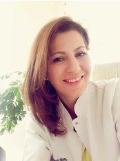 Frau Banu Ercan - Internationale Patientenkoordinatorin - Hairestetik Turkey