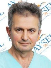 Dr. Orhan Sanisoglu - Arzt - Aysel Ellialtı
