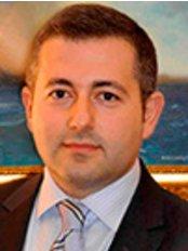Dr. Aret Cerci - Chirurg - Aestimed