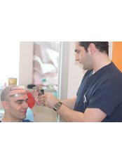 Dr. Levent Acar - Arzt für Ästhetische Medizin - COSMEDICA - Dr. Levent Acar