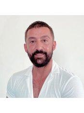 Herr Dogan Somuncu - Facharzt - Hair Time Istanbul