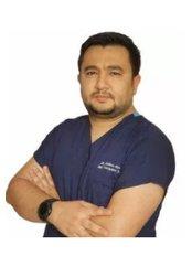 Dr. Firdavs Ahmedov -  - EurasiaMed Haarklinik