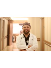 Dr Emre PARLAK - Surgeon at Transes Hair Transplant