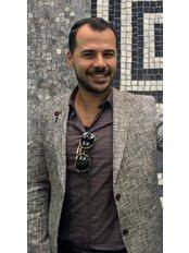 Mr Serdar Avsar - Manager at Turkeyana clinic - Hair Transplantation