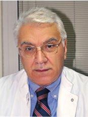 Dr Ceyhun Tekin -  at ISOM Tip Merkezi - Hair Transplant