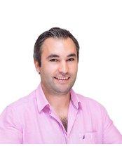 Dr Kazim Sipahi -  at Vera Clinic