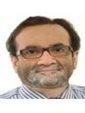Dr Vikas  Kunnure - Surgeon at Nu Hair Clinic London