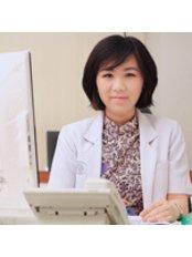 dr. Silvia Halim, M.TCM - Doctor at Sonya Natural Holistic Centre - Jakarta Selatan