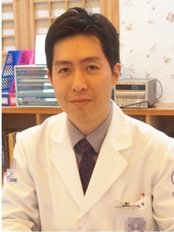 Dr Yijinhyeok -  at uwon Bright Morning Oriental Medical Clinic