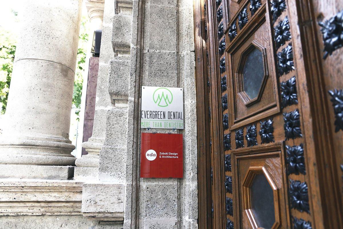 Evergreen Dental Implant Dentist In Budapest