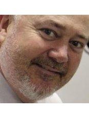 Dr Tim Ruddell - Ophthalmologist at Hunter Laser Vision