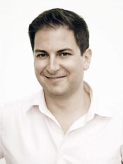 Dr Victor Derhartunian - Ophthalmologist at EyeLaser Center Vienna
