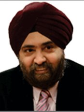 Dr. Mahipal S Sachdev, Chairman - Ophthalmologist at Center for Sight - Rajouri