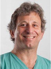 Dr Jonathan Strauch - Surgeon at Argus Syn