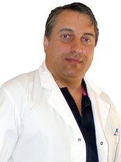 Clínica Oftalmológica Dr. Miguel Pinto Ribeiro Lda - Rua dos Chãos,92, 1º, Braga, 4710230,  0