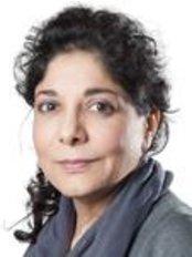Dr Tahera Bhojani-Lynch - Ophthalmologist at Optimax - Harley Street