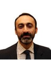 Dr Mohammad Ayoubi - Ophthalmologist at Optimax - Tottenham Court Road