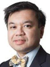 Optimax - Edinburgh - Dr Amir Hamid - Medical Director
