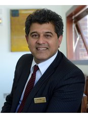 Mr Sheraz M. Daya - Practice Director at Centre For Sight - East Grinstead - England
