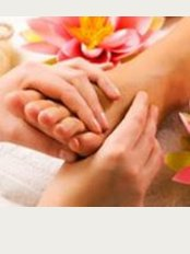 Fingersnthumbs Massage Therapy - Fingersnthumbs Massage Therapy B65