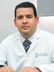 Dr. Felix Ramón Escaño Gil - Centro Médico Escaño, Av. Dr. Delgado No. 2, Gazcue, Santo Domingo,  0