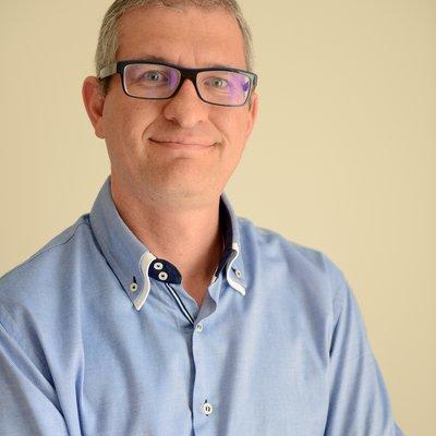 Dr Robert Cassar