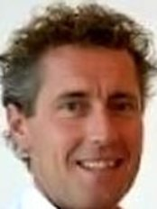 Dr Frank Bouwmeester -  at Gynos Vrouwenkliniek Amsterdam