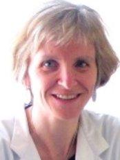 Dr Teresa Masip Oliveras - Doctor at Institut Dr. Flores  - Hospital Quirón Tekn