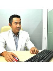 Mr somchai chanjaroen - Doctor at raknareeclinic
