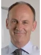 Dr Tim Schneider - Surgeon at Melbourne Orthopedic Group - Windsor